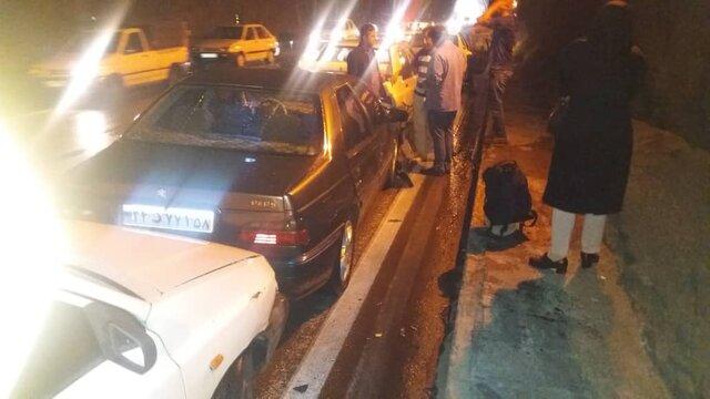 تصادف زنجیرهای ۱۰ خودرو در تونل یاسوج_ بابامیدان +عکس