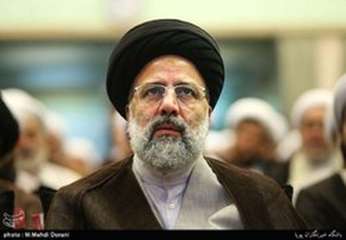 رئیسی: دشمن برای از بین بردن اتحاد ملت ایران و عراق توطئه میکند
