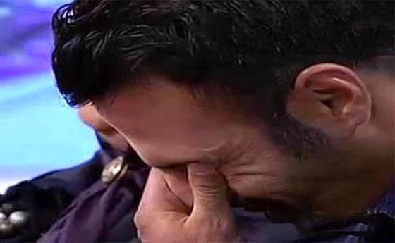عکس: بوسه مادر فوتبالیست معروف بر صورت پسرش روی آنتن