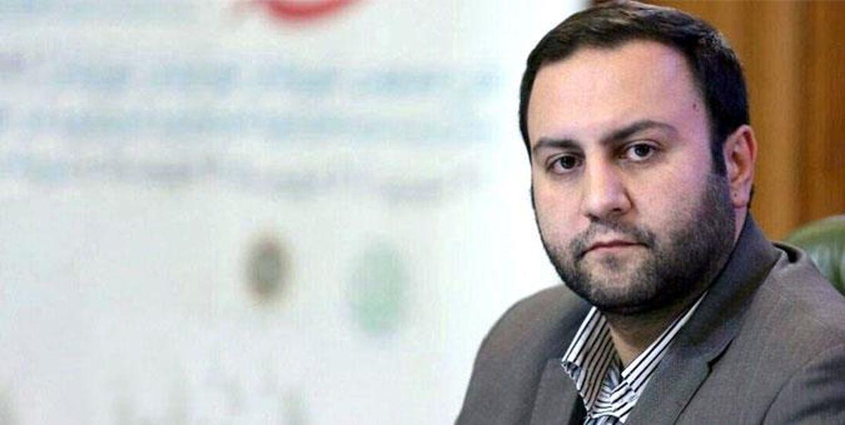 پیرهادی: دولت به قانون اقدام راهبردی برای لغو تحریم ها پایبند باشد