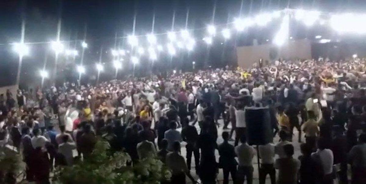 جشن عروسی در یک مدرسه در ایران
