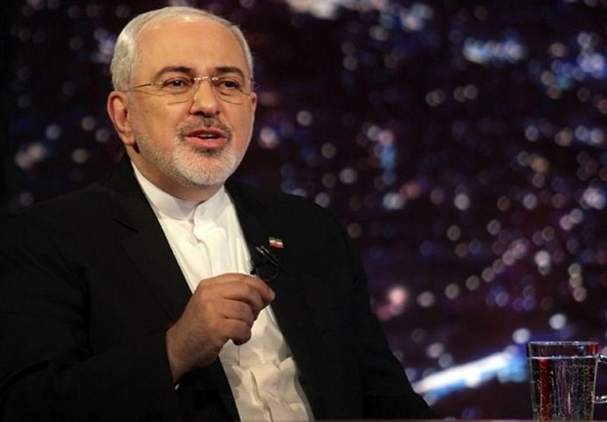 ظریف: توپ در زمین ایران نیست