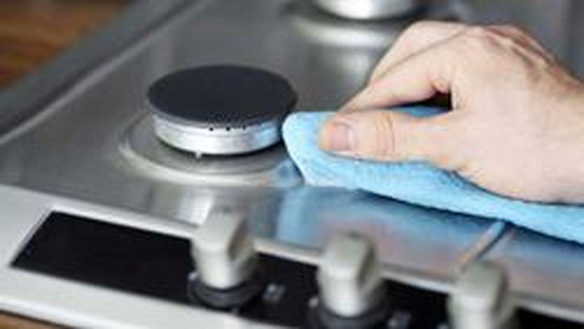 فیلم: بهترین روش برای پاک کردن اجاق گاز