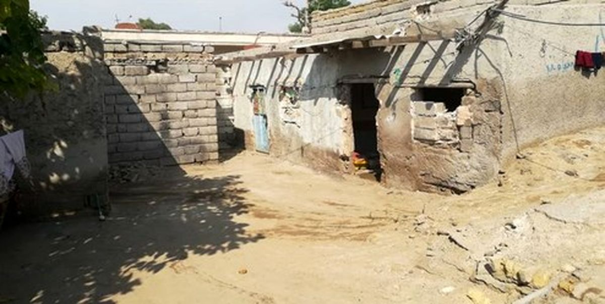 ماجرای عکس امام و رهبر انقلاب در خانه یکی از محرومان +فیلم