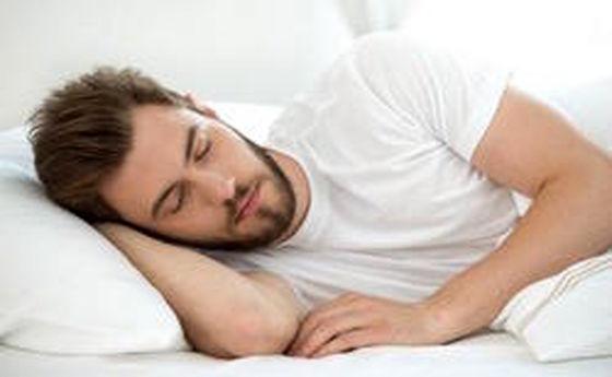 ۴ دلیل تمایل به خواب زیاد