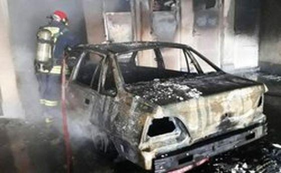 حریق ۸ خودرو در آتش سوزی پارکینگ خانگی