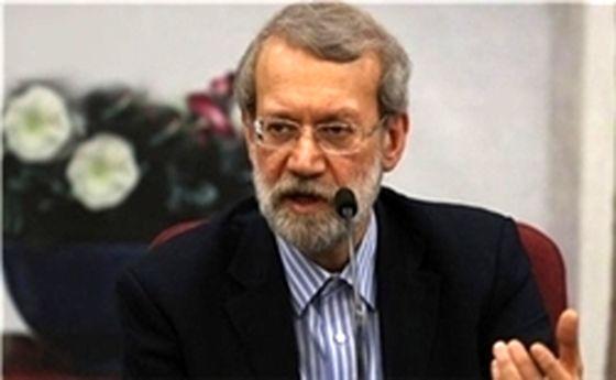 لاریجانی: دستگاههای کشور زیر بازوهای تجار را بگیرند