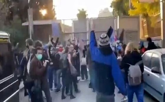 ماجرا انتقال نتانیاهو و همسرش به مکان امن در روز جمعه