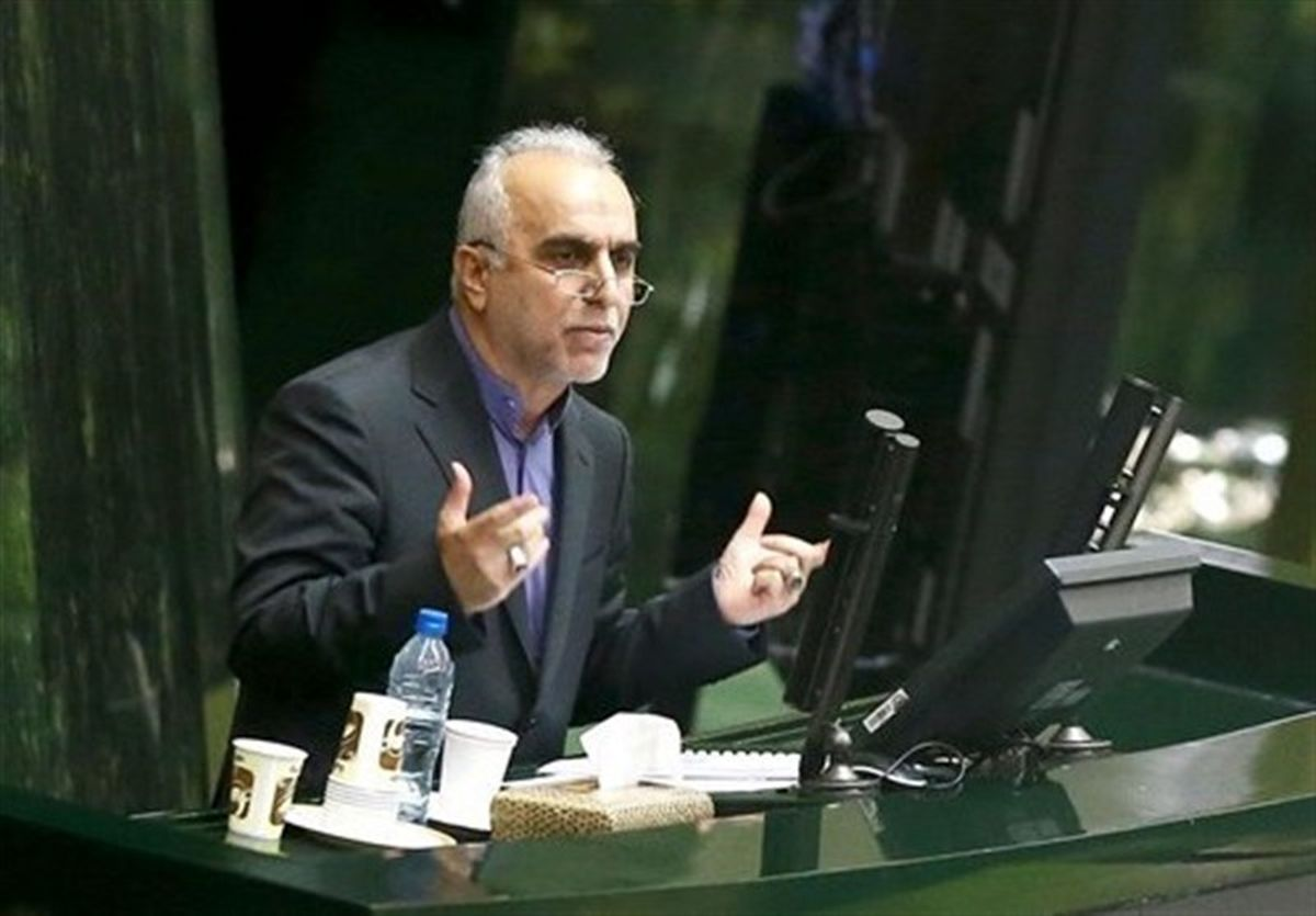 تخلفات در گمرک وزیر اقتصاد را به مجلس کشاند