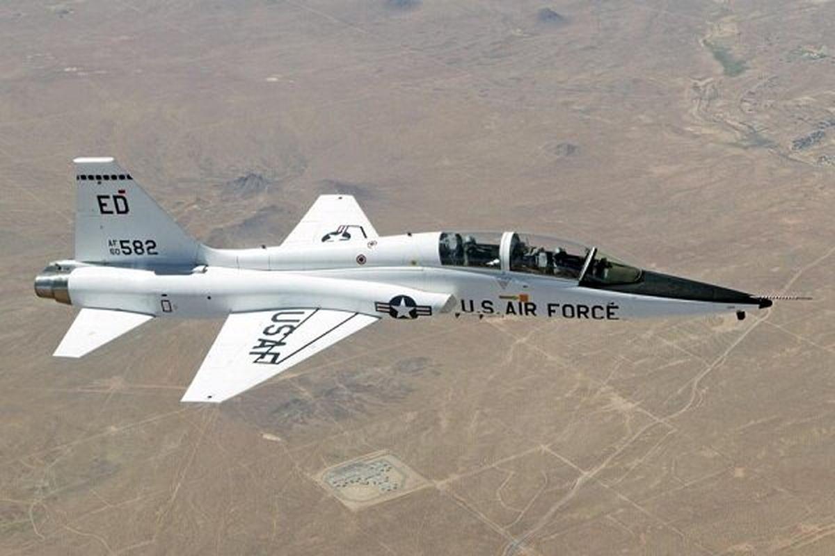 در سقوط هواپیمای نظامی آمریکا ۲ خلبان کشته شدند