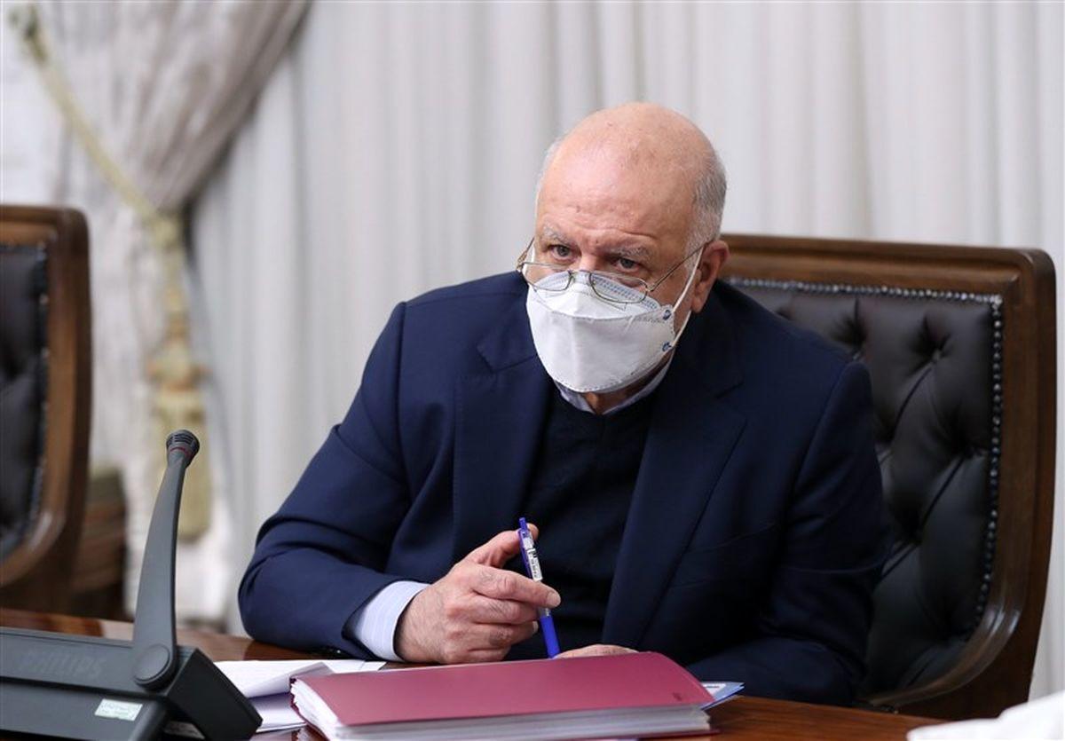 زنگنه: صنعت نفت ایران سرحال و سرزنده است