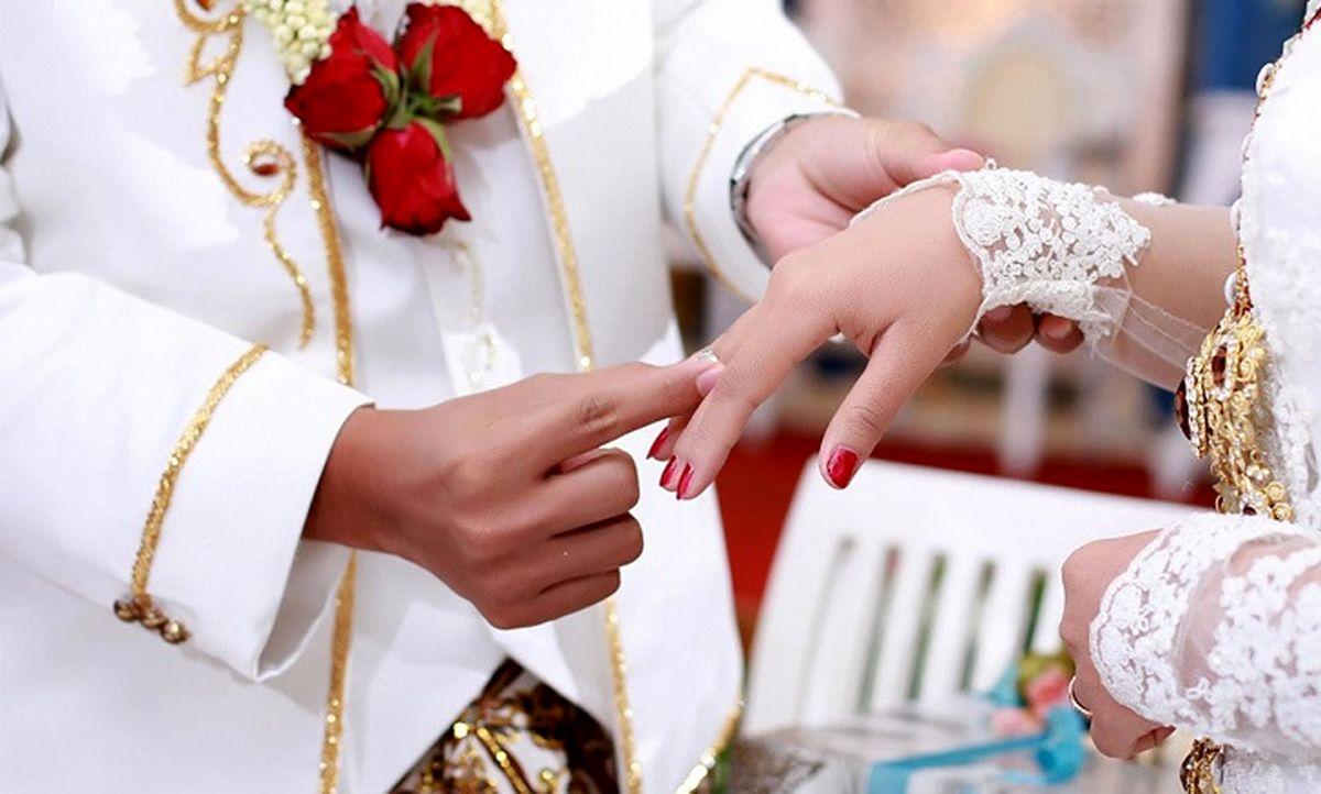 ازدواج عجیب پسر 8 ساله با زن 61 ساله! / نوه تاوان خیانت پدربزرگ را داد + عکس