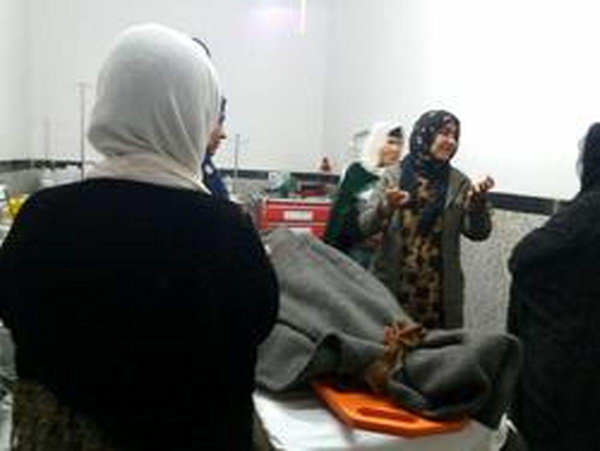 گاز گرفتگی جان زن زلزله زده  را گرفت! +عکس