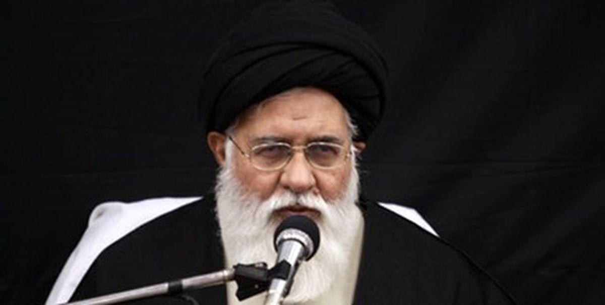 آیتالله علمالهدی: «دفاع از دین» هدف مقابله با استکبار جهانی است