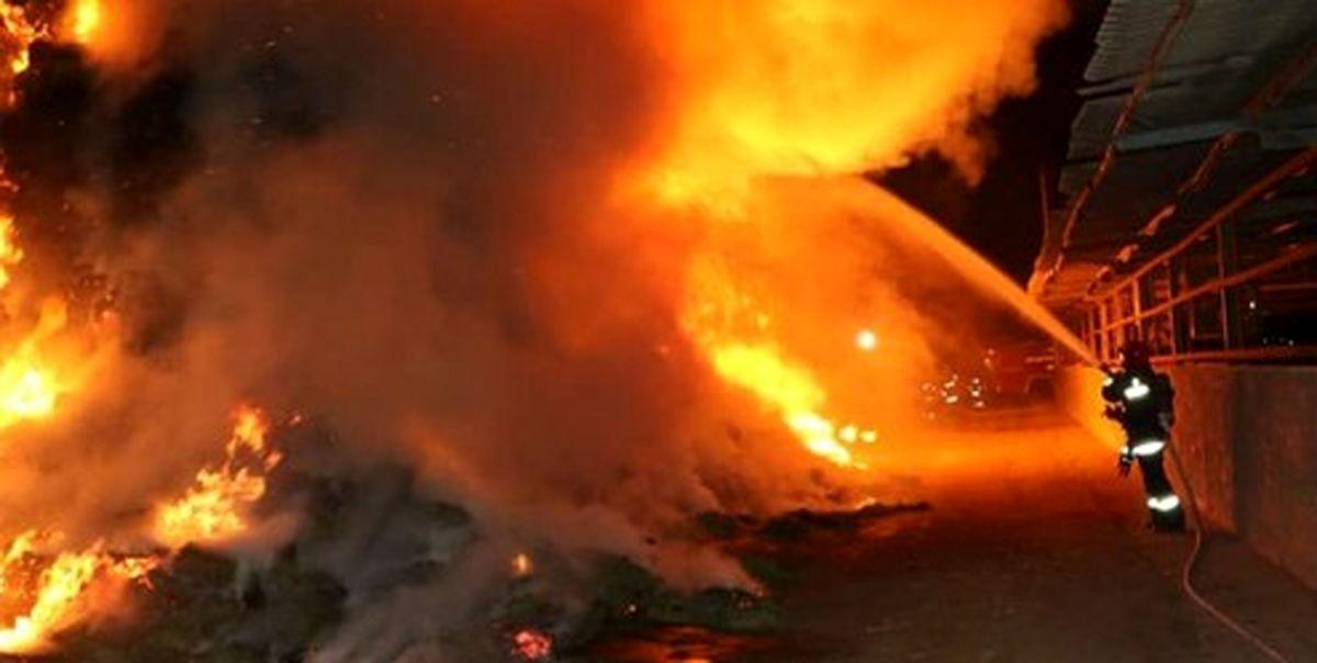 حریق ساختمان مسکونی در اختیاریه /BMW در آتش سوخت