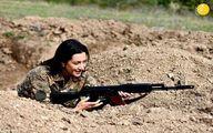 همسر نخست وزیر ارمنستان دست به اسلحه شد +عکس