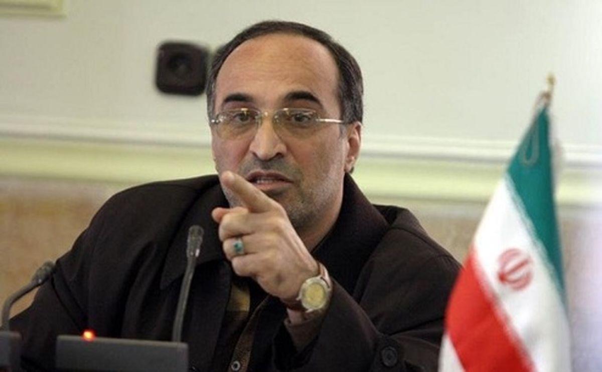امیررضا واعظ آشتیانی: کارگزاران میخواهد پدرخوانده باشد و اصلاحطلبان این را نمیپذیرند
