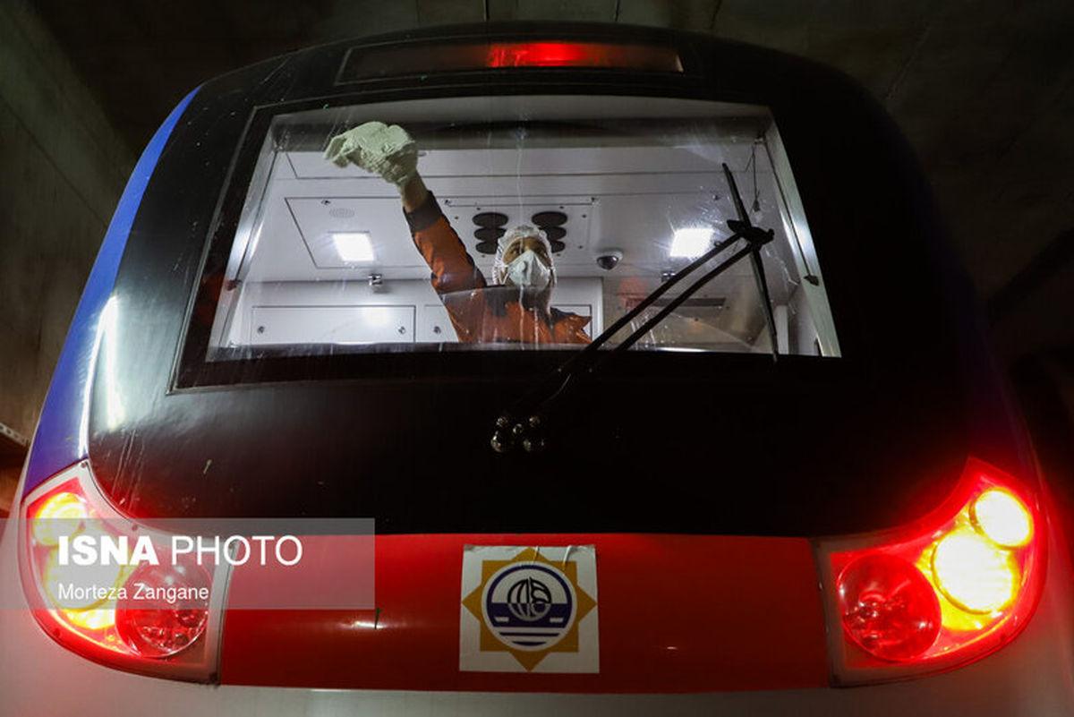 تصاویر: ضدعفونی واگنهای مترو و اتوبوسرانی اصفهان