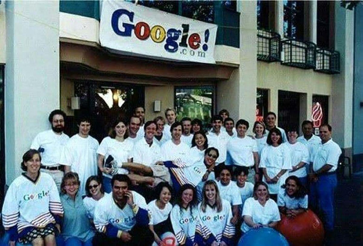 نخستین تیم گوگل در سال 1999+عکس