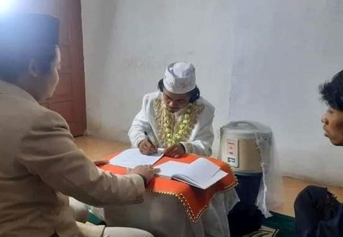 ازدواج مرد اندونزیایی با پلوپزش سوژه شد! + عکس