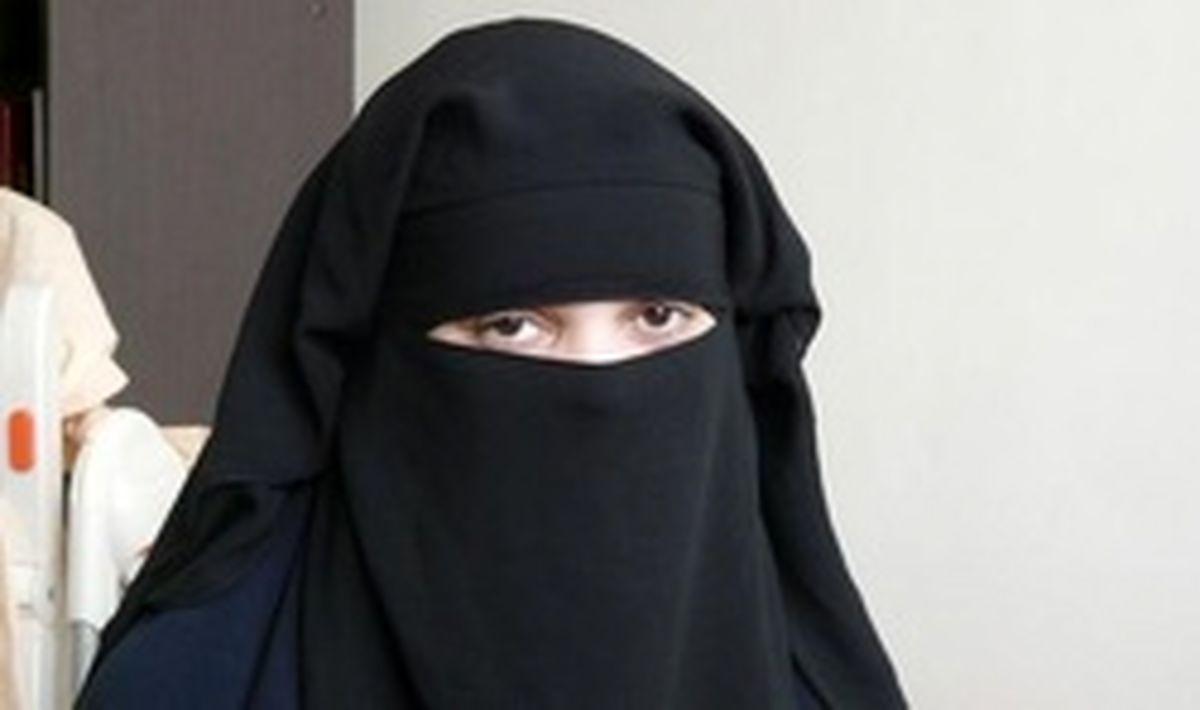 وقتی یک دهه هفتادی با پوشیه جلب توجه میکند/ چادر باید رنگ تیره داشته باشد/ پوشش تاریخی زنان اشراف ایرانی پوشیه بوده است