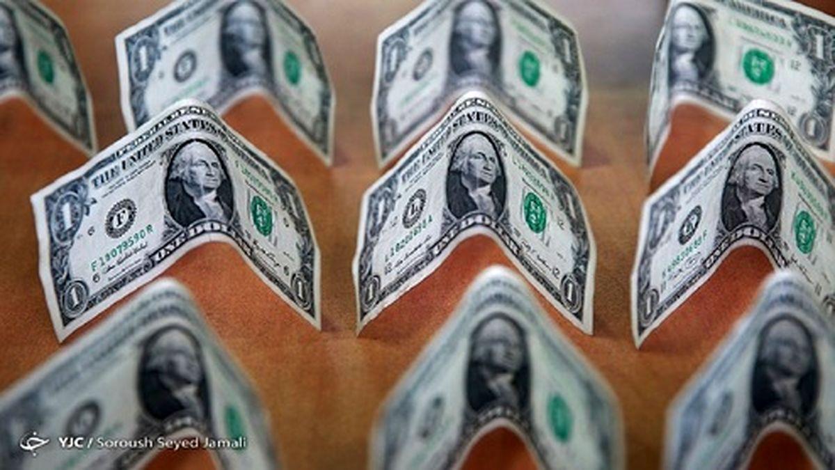 قیمت دلار همچنان در ریل نوسان