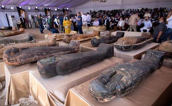 تصاویر: کشف تابوتهایی با قدمت ۲۵۰۰ سال در مصر
