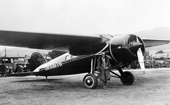 عکس: اولین زنی که بر فراز اقیانوس اطلس پرواز کرد