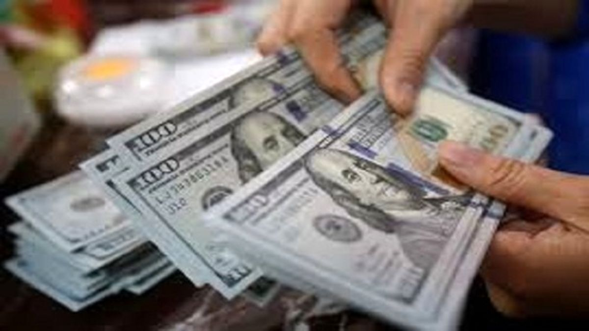 نوسان ادامه دار نرخ دلار و یورو امروز ۱۳ آذر