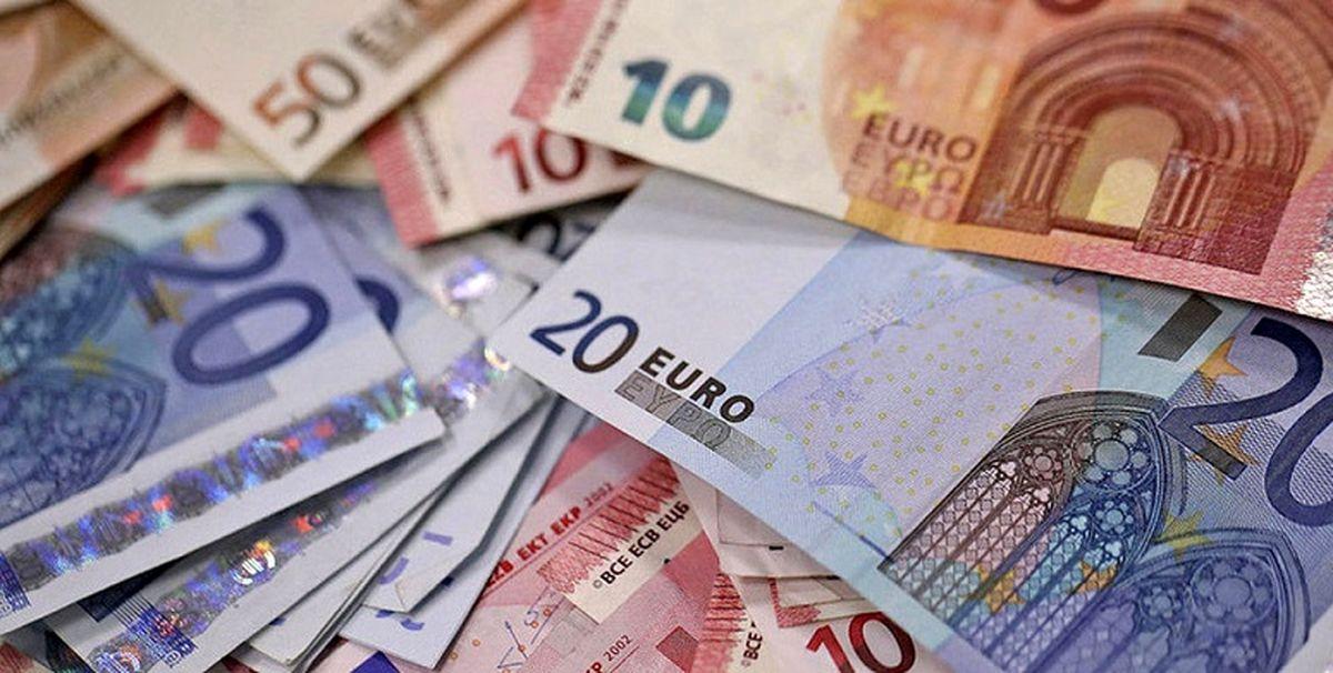 جدیدترین قیمت دلار و قیمت یورو امروز ۲ فروردین/ دلار بالا رفت؟ + جدول