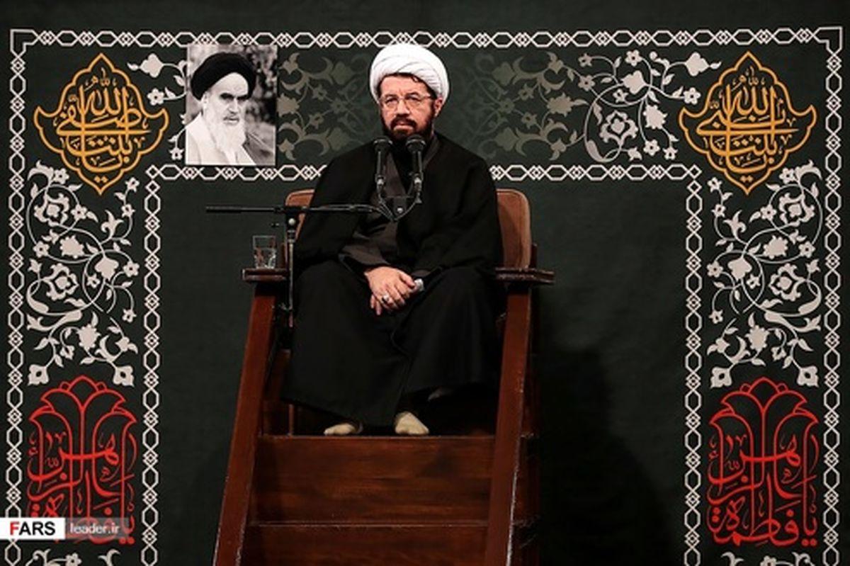 تصاویر: مراسم عزاداری شب شهادت حضرت زهرا(س) با حضور رهبری