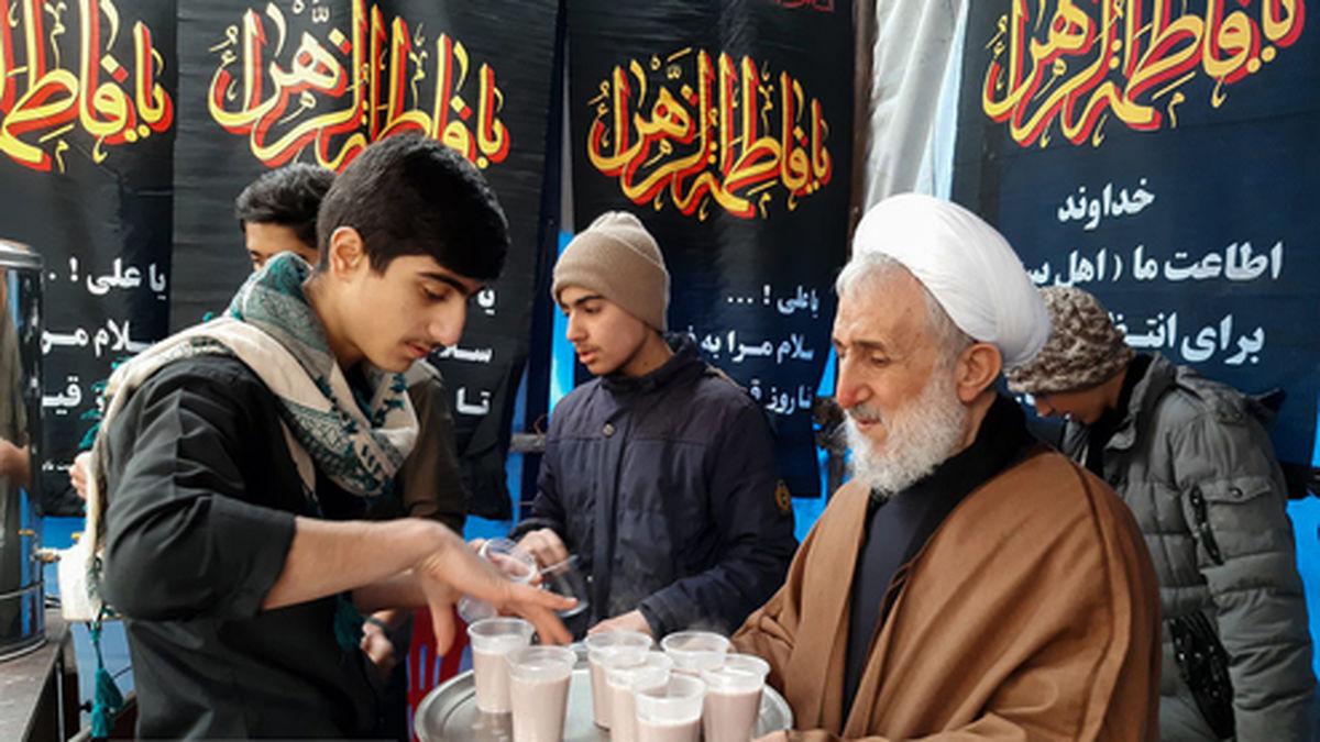 عکس: امام جمعه تهران در ایستگاه صلواتی