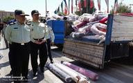 تصاویر: کشف محموله بزرگ پارچه و بلور قاچاق