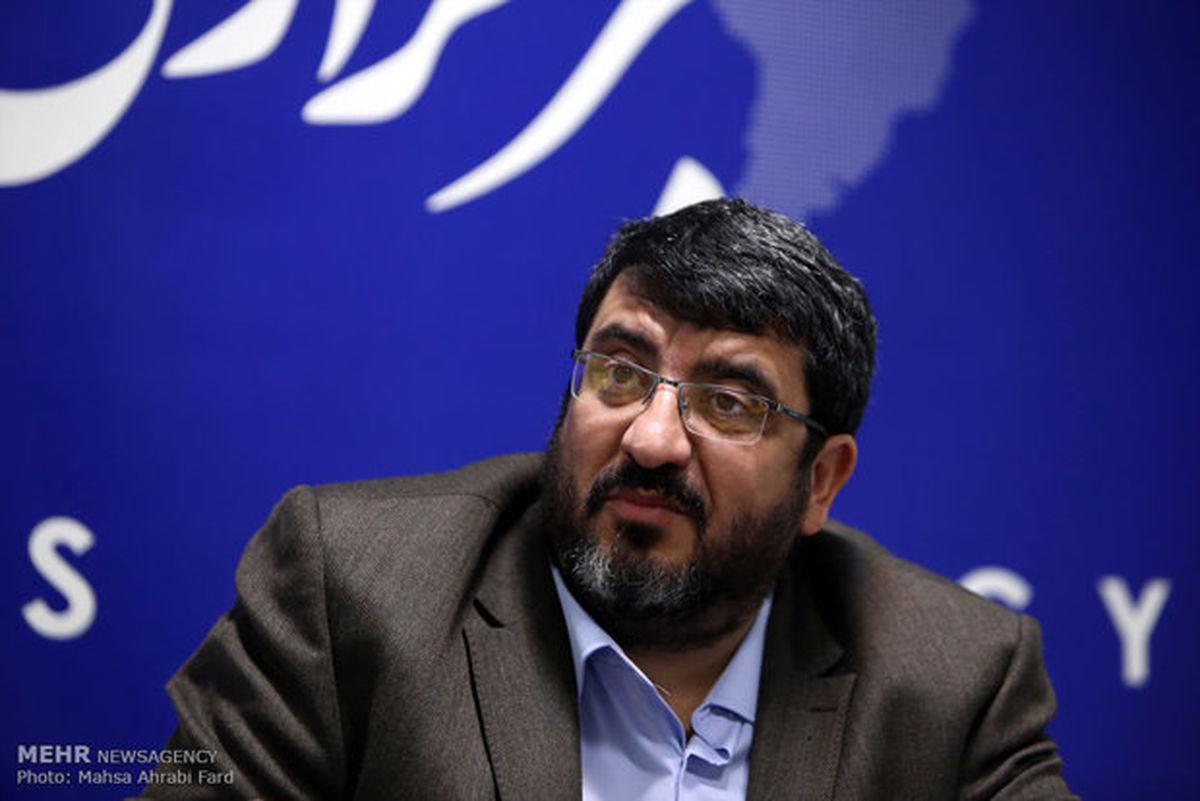 ایزدی: روحانی به تیم مذاکره کننده ضربه زد