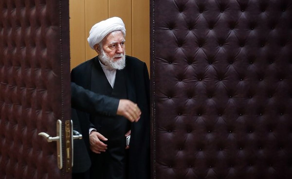 حسین انصاریراد: هیچ عملکرد قابل دفاعی از عارف سراغ ندارم/ عارف پایگاه اجتماعی و سبد رأیی ندارد