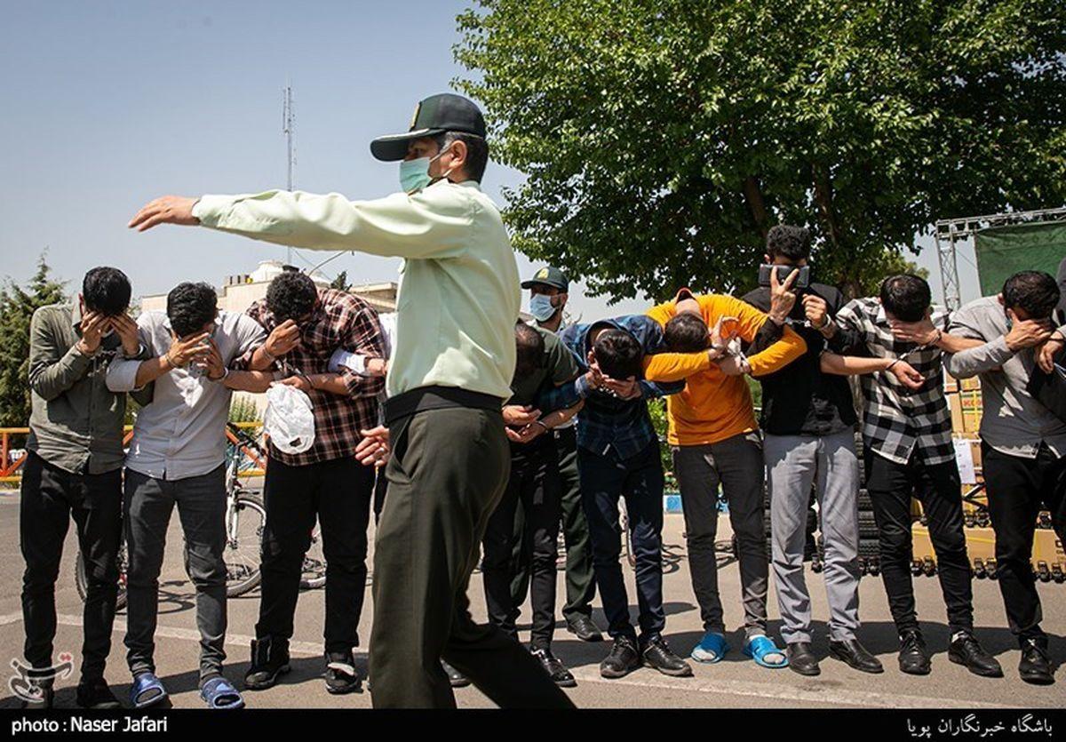 پاتک پلیس به یک شرکت هرمی/گروگانگیری عجیب جویندگان کار! +عکس