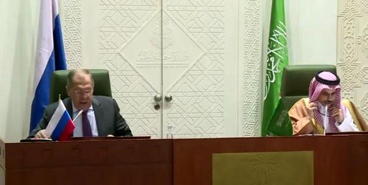 لاوروف در عربستان خواستار توقف فوری جنگ با یمن شد