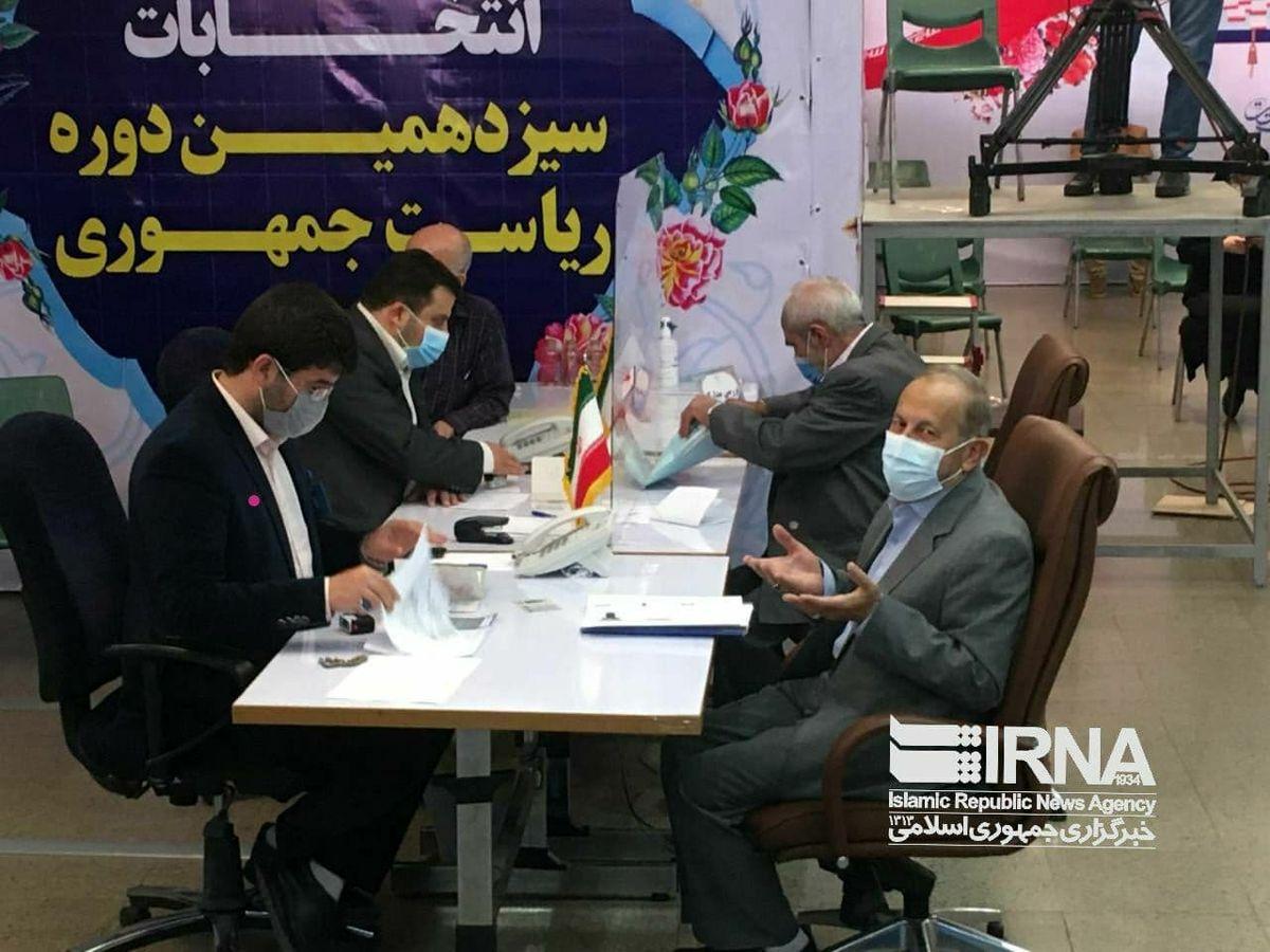 ثبت نام فرمانده سابق بسیج، با شعار «با مردم و برای مردم »