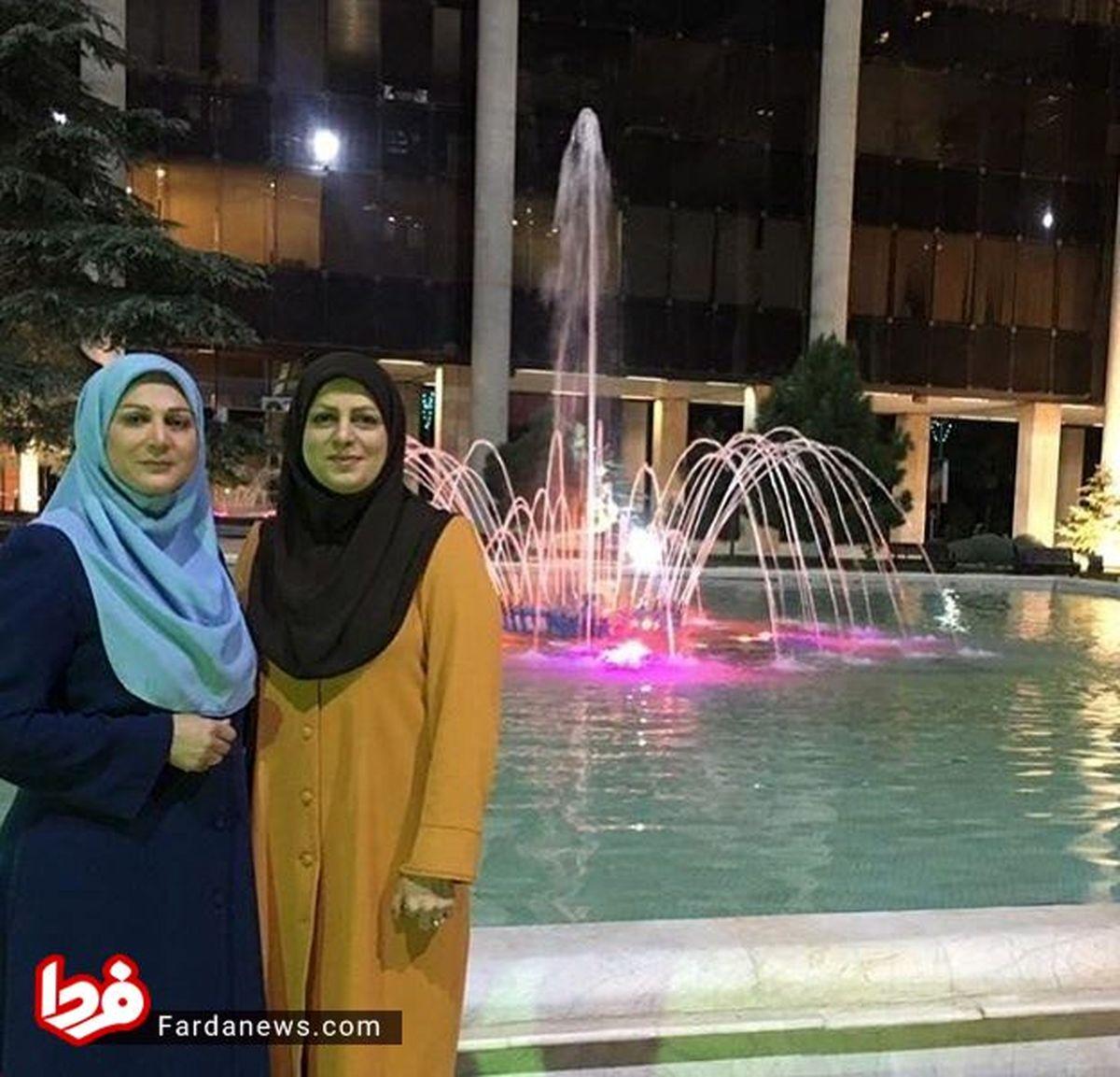 عکس: خواهران گوینده خبر در یک قاب