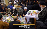 فیلمی منتشر نشده از افطاری در حضور رهبر انقلاب